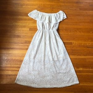 White Lace Off The Shoulder Dress size S